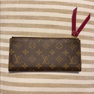 Like New. 100% Auth Louis Vuitton Adele Wallet